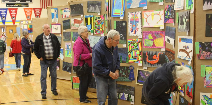 L-S Art Show & Academic Fair draw appreciative crowd