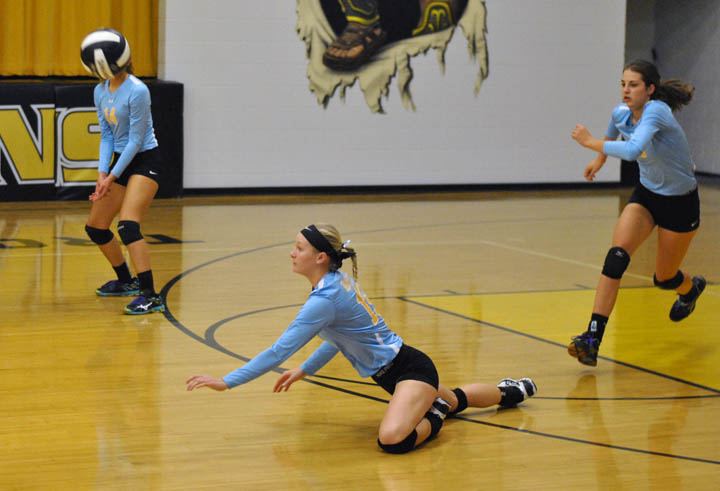 L-S VB team tops Tri-County in three games