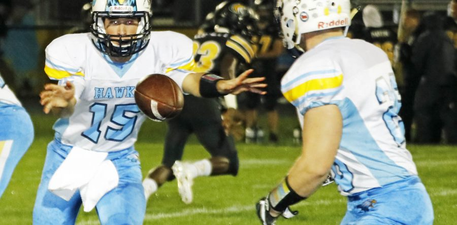 L-S holds off New London for seventh straight win