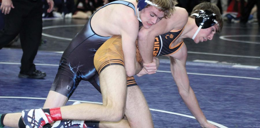 Dunsbergen goes 1-2 at second state appearance