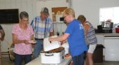 Small crowd at steamy, hot Lynnville Day